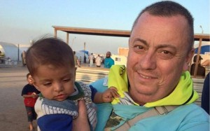 Alan henning_3043430b photo for ACM's Open appeal on our website to his captors